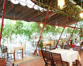 Mái xếp nhà hàng đẹp giá rẻ