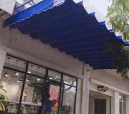 Công trình lắp đặt mái hiên mái xếp nhỏ cho cửa hàng kinh doanh