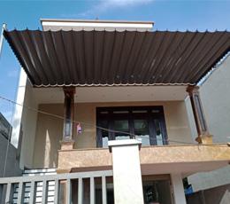 Mái hiên mái xếp di động che nắng ban công nhà 2 lầu quận 7 hcm