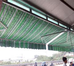 Công trình lắp mái hiên mái che quán tạp hóa vỉa hè quận 6