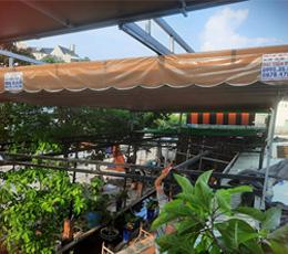Lắp mái hiên che giếng trời và mái hiên quán cafe quân 2 Tp.hcm