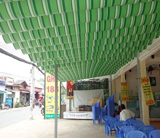 Mái xếp di động cho quán ăn