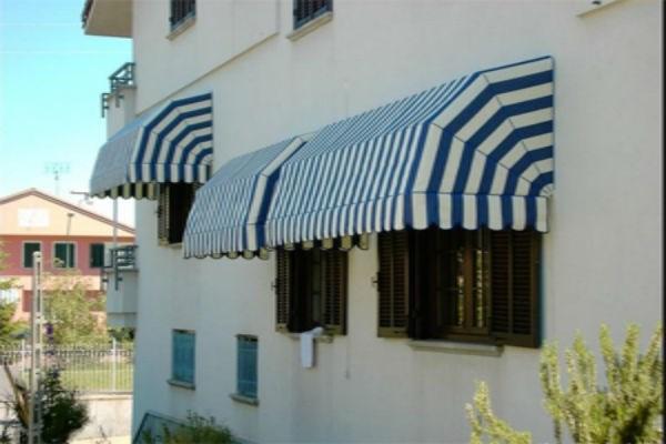 Lắp mái hiên cho ngôi nhà người tuổi thân 1992